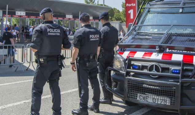 agentes-mossos-desquadra_ecdima20160610_0005_34