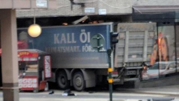 camion-suecia-dos-U10110850277b0E--620x349@abc