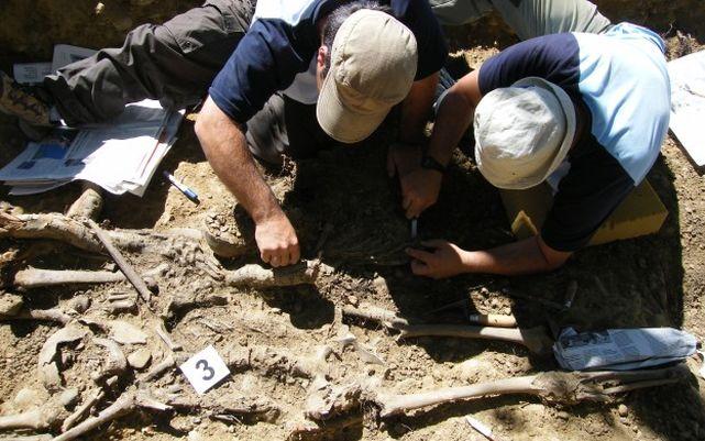 Desenterramiento-fosa-comun-Guerra-Civil_ECDIMA20170406_0015_21