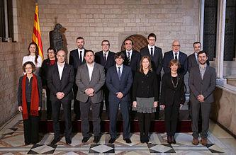 Foto_oficial_del_nou_Govern_Puigdemont.jpg
