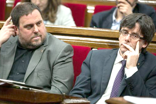 Puigdemont-Junqueras-proclamar-republica-catalana_1003711178_123244496_667x400.jpg