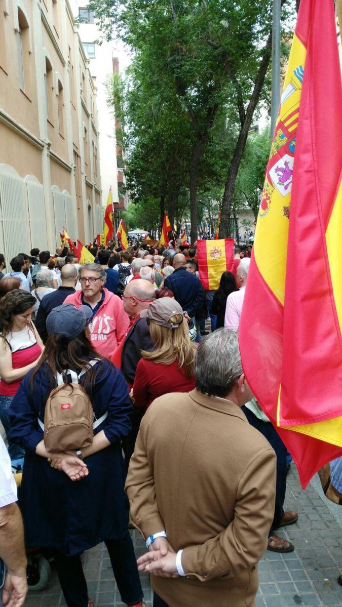 ¡Última hora! Apoyo de la ciudadanía catalana a la Guardia Civil en concentración de agradecimiento (GALERÍA FOTOS).