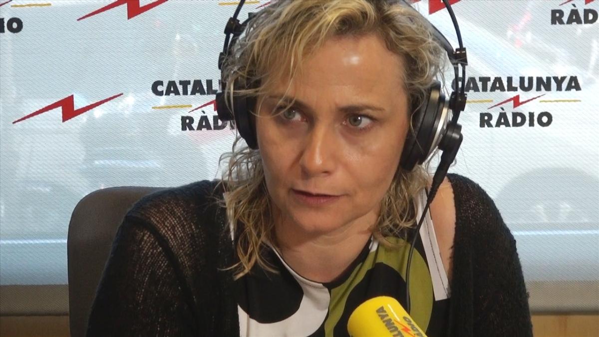 Concentración ante Catalunya Ràdio. BCN, 27-S, 12 horas. Planta cara a la manipulación golpista