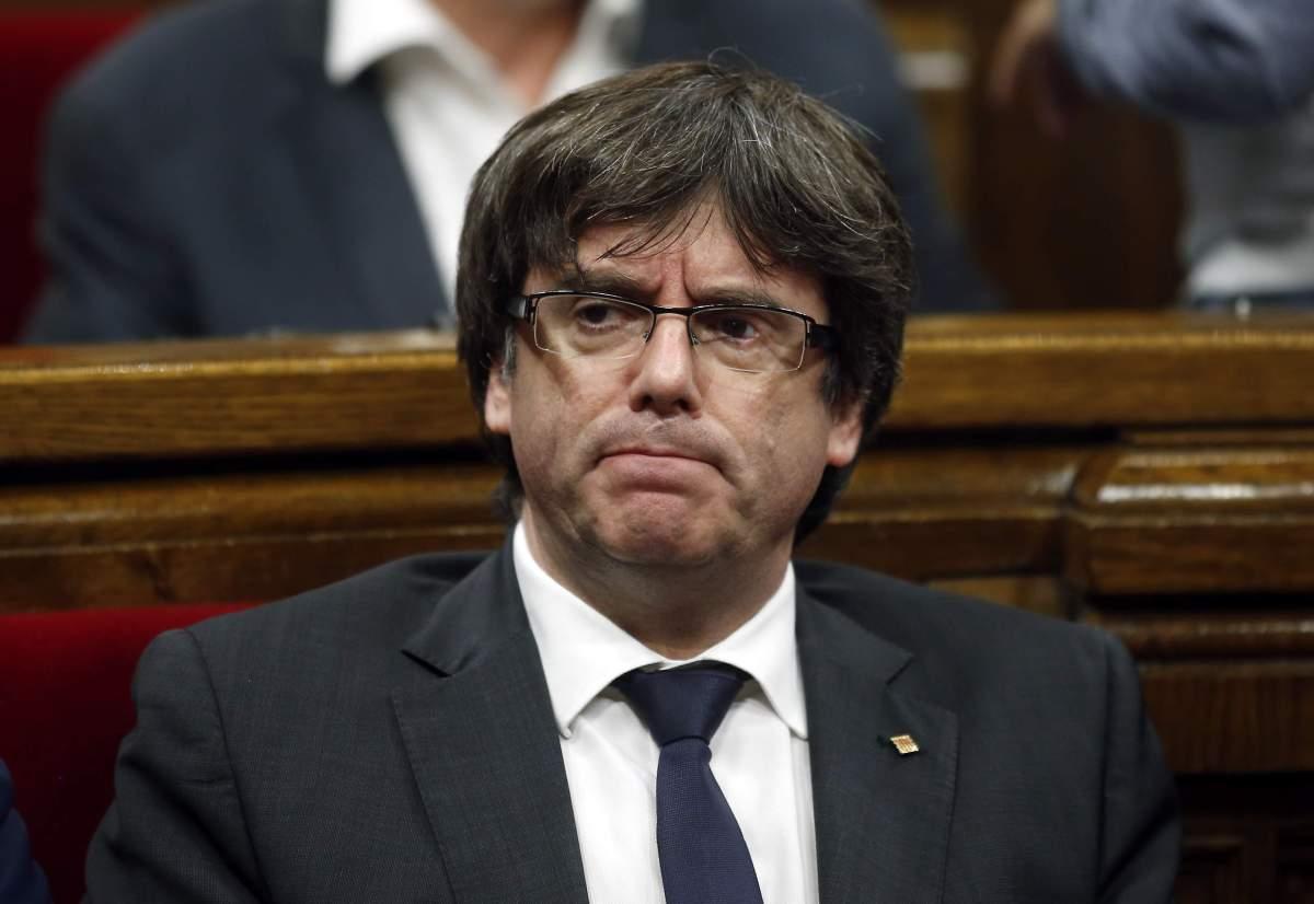 A Puigdemont le entra cagalera y se piensa el viaje a Dinamarca: ahí la rebelión se pena con cadena perpetua