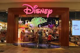La Macro Tienda De Disney En Barcelona Sólo Rotula En Catalán