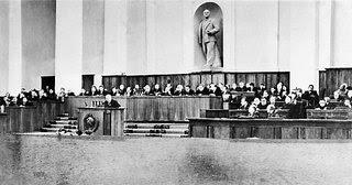 noticias actualidad noe molina ateismo para cristianos dios jesus biblia religion rusia Lunacharski sovietica juicio fusilamiento jurado