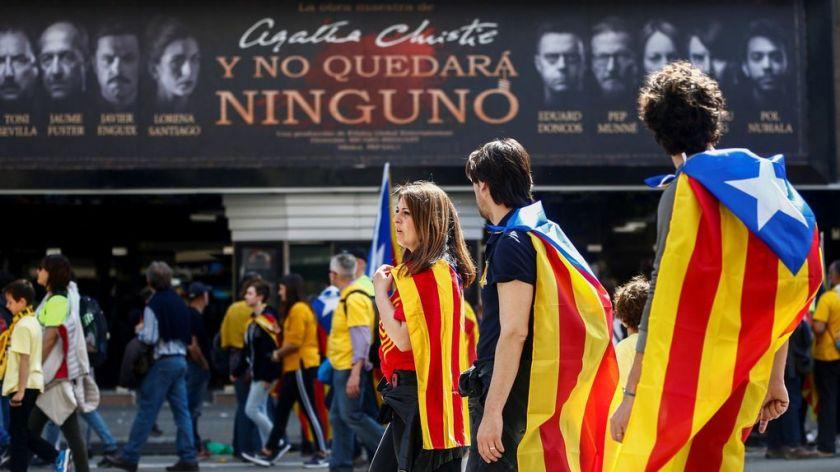 Manifestacion-independentista-fin-semana-Barcelona_1127897276_11378629_1020x574.jpg