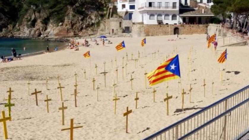 Cruces-amarillas-Girona-provocado-enfrentamientos_1137796288_11462624_1020x574
