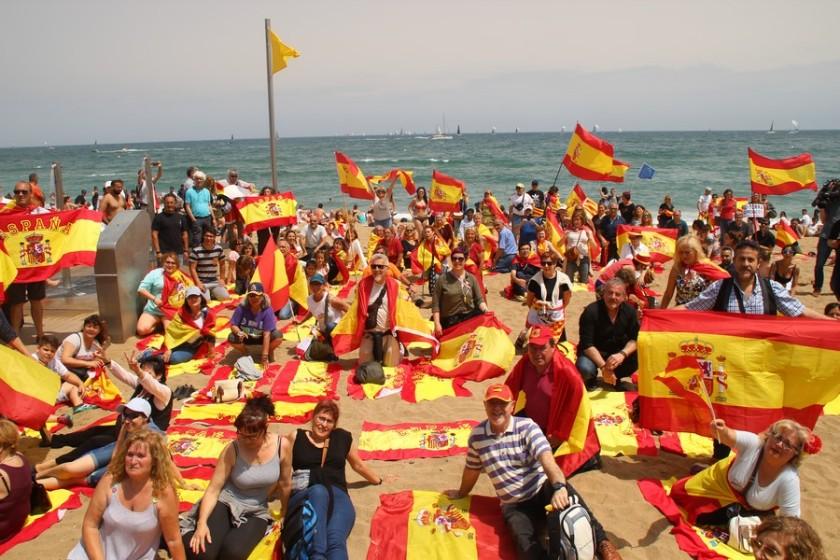 PLAZA-SAN-JAIME-DE-BARCELONA-ESPAÑA-27.05.2018.-El-orgullo-de-más-de-10-mil-españolas-y-españoles-obliga-al-Ayuntamiento-de-Barcelona.-Lasvocesdelpueblo-365.jpg