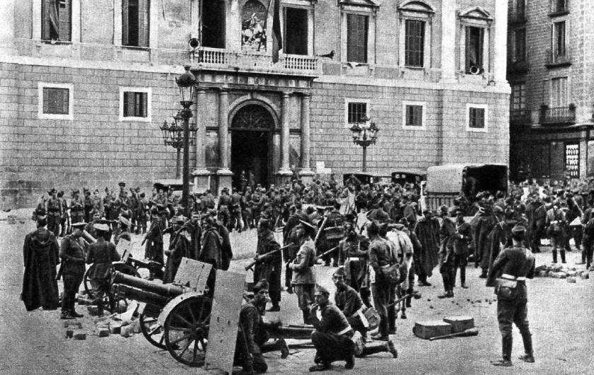 Palacio de la Generalitat tras la rendición