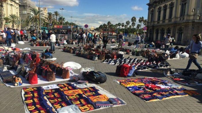 Venta-callejera-Barcelona_896920364_2555974_1020x574.jpg