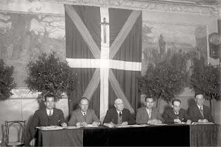 Zaragüeta JUNTA DIRECTIVA DEL CENTRO VASCO DE IRUÑA. DÉCADA DE 1930