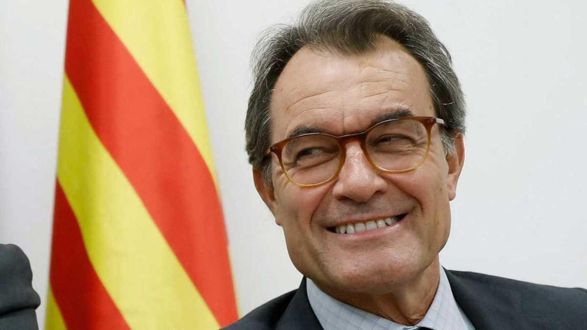 Artur Mas no encuentra curro: no lo quieren ni los amigos del 3%