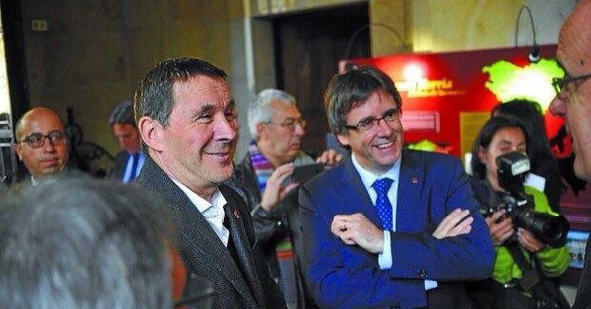 Puigdemont cuando pactes con Otegui, recuerda a los 23 niños asesinados por ETA