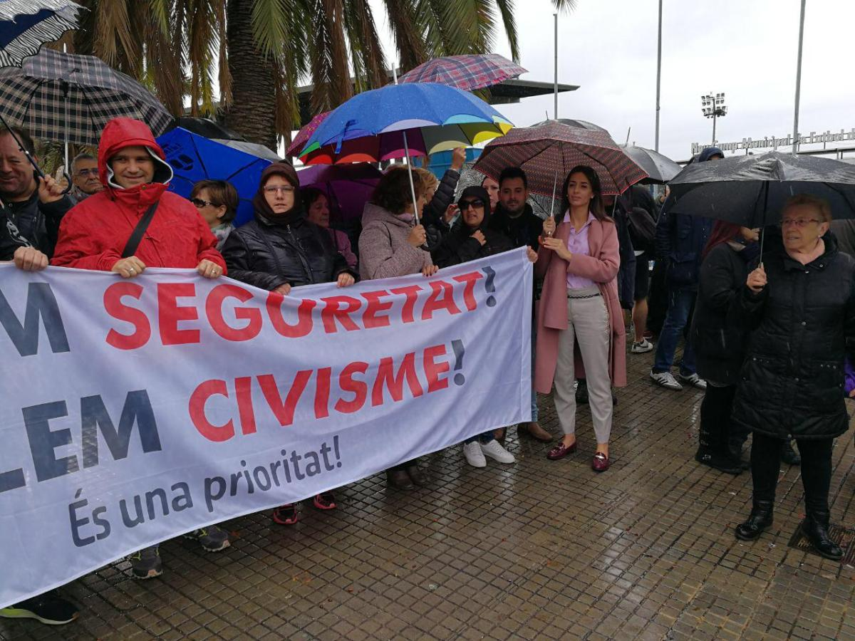 Manifestación en Santa Coloma contra las violaciones y agresiones de la manada local (vídeos y fotos)