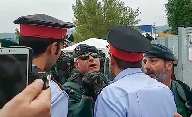 mossos-guardias-kL7B-U40917499176aTG-624x385@RC