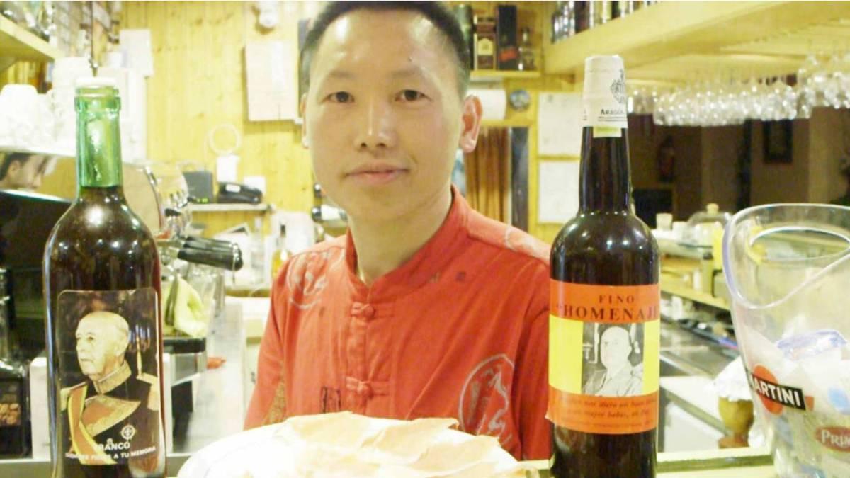 """ENTREVISTA A Xianwei Chen (el chino franquista agredido): """"Al podemita no le va a pasar nada, no hay Justicia en España"""""""