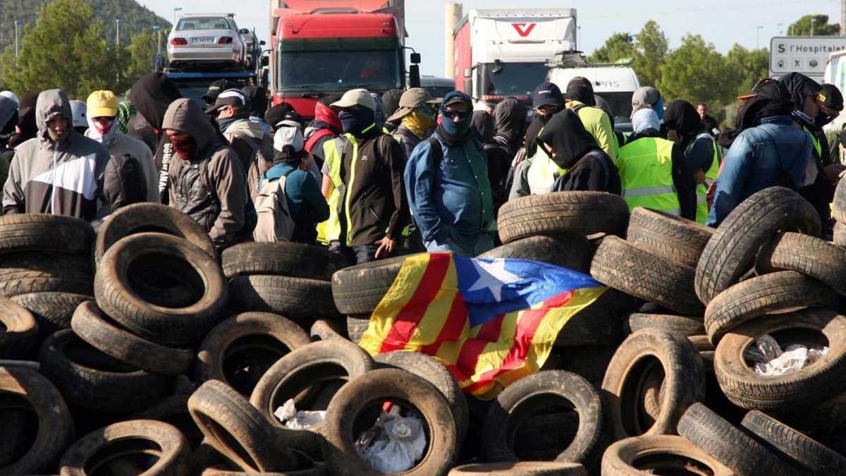 Los CDR organizarán un referéndum ilegal el día de las municipales