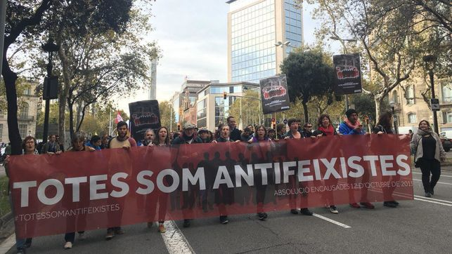 cabecera-manifestacion-Todas-antifascistas-enfrentan_EDIIMA20171111_0312_19