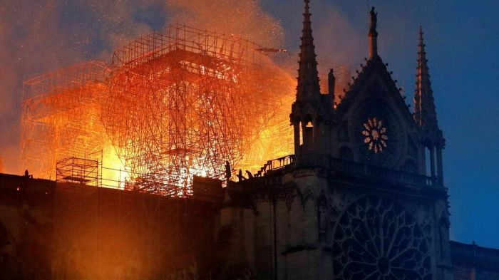 catedral-Notre-Dame-Paris-Francia_1236786337_13343632_1020x574.jpg