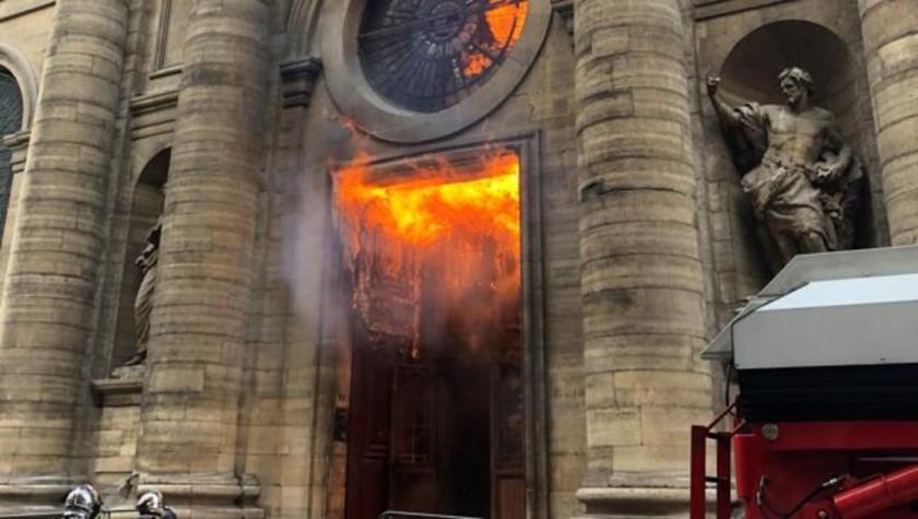 iglesias-francia-kc7G--1200x630@abc.jpg