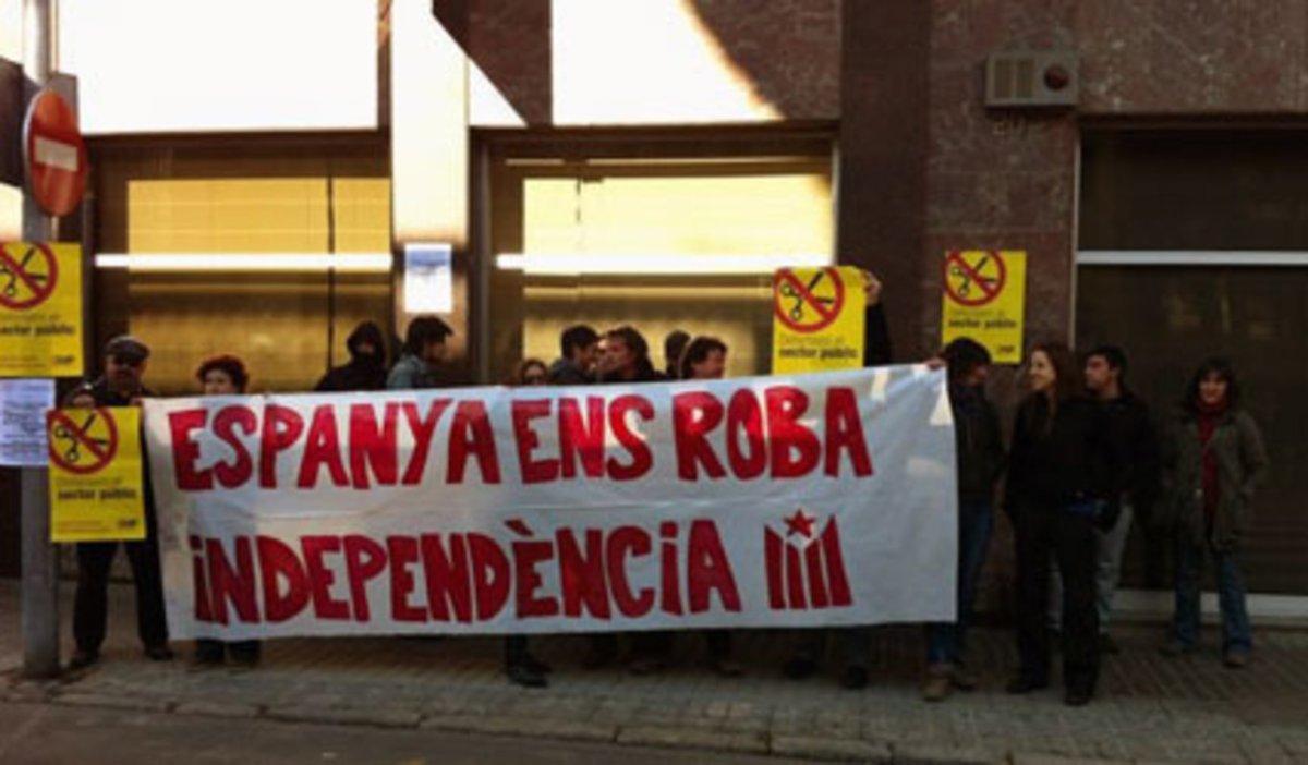 """El Estado ha inyectado 75.000 millones para rescatar Cataluña desde que empezó el 'procés' ... """"tenemos que hablar"""""""