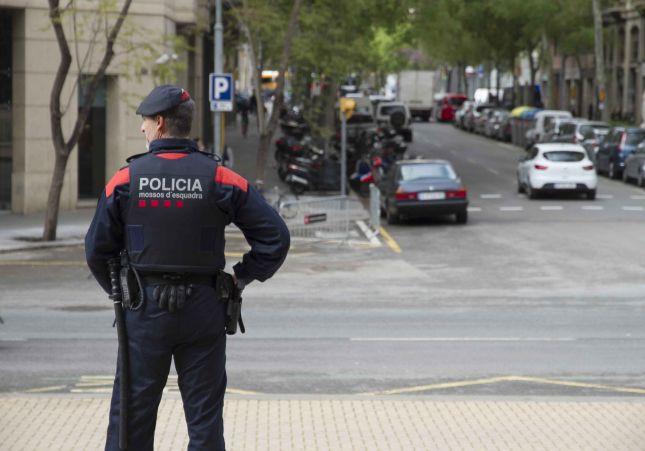 mossos-barcelona-mena_1_645x451.jpg