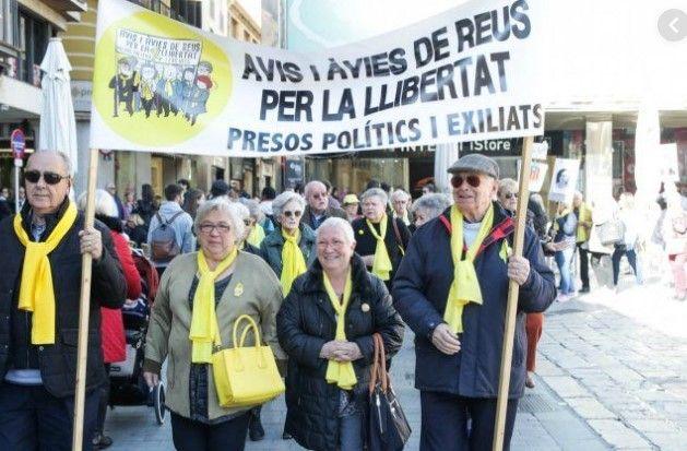 los-abuelos-haran-reuniones-para-preparar-la-constitucion-catalana.jpg