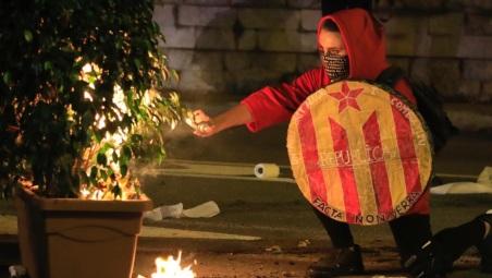 cronologia-las-ultimas-noches-disturbios-barcelona-1571408265384.jpg