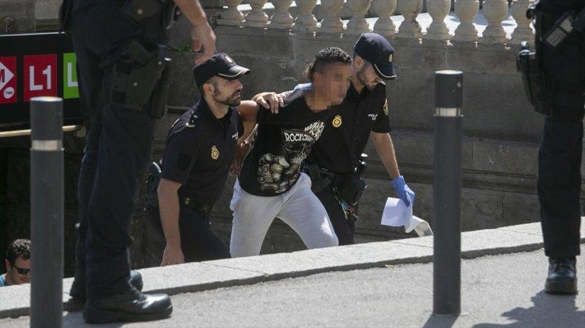 redada-policial-los-carteristas-del-metro-1568018187296.jpg