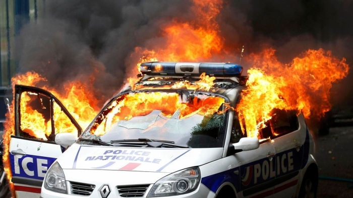 w1240-p16x9-2016-05-18t104430z_601373555_lr1ec5i0ttvgr_rtrmadp_3_france-politics-protests-police