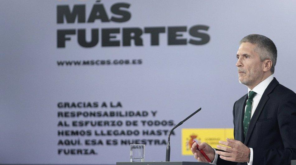 ministro-del-interior-fernando-grande-marlaska-comparece-ante-los-medios-tras-consejo-ministros-celebrado-moncloa-este-martes-mayo-1590521792098