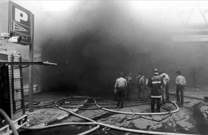 19 6 1987 BCN - ETA - ATEMPTAT HIPERCOR FOTO  XAVIER JUBIERRE   AVUI