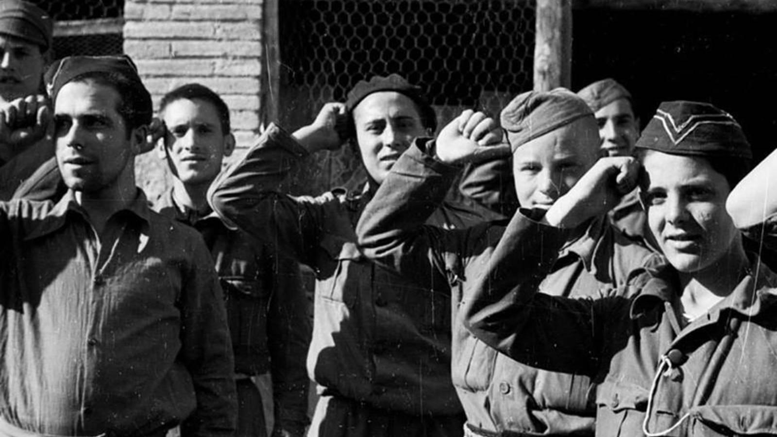 Fosas de la Batalla del Ebro: aparecen los niños que la República envió al frente a morir